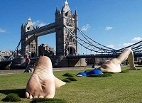 london_thames_statue_416x300-200x145